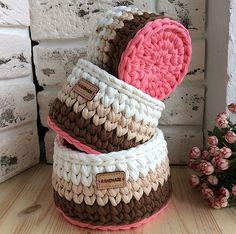 Tips for making Crochet baskets Crochet Case, Crochet Box, Crochet Amigurumi, Crochet Round, Crochet Gifts, Crochet Quilt Pattern, Crochet Basket Pattern, Crochet Patterns, Crochet Baskets