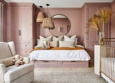 〚Spanish style inspiration and a beautiful nursery: actress Shay Mitchell's home in Los Angeles〛 ◾ Photo ◾ Ideas ◾ Design Shay Mitchell, Architectural Digest, Daughters Room, Pink Room, Suites, Home And Deco, My Room, Dorm Room, Living Spaces