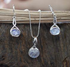 Rainbow moonstone earrings and pendant, Moonstone set, Jewelry set, Bridesmaid set, Christmas gift, new year gift, Dangle earrings by LulaJewel on Etsy https://www.etsy.com/listing/484786224/rainbow-moonstone-earrings-and-pendant