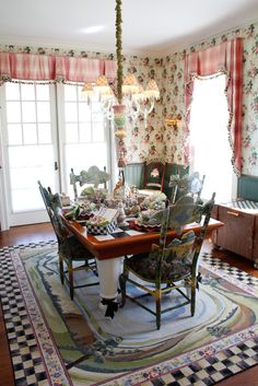 whimsical breakfast room from mackenzie-childs Painted Floors, Painted Furniture, Mackenzie Childs Furniture, Mackenzie Childs Inspired, Mckenzie And Childs, Floor Cloth, Fine Dining, Sweet Home, House Design
