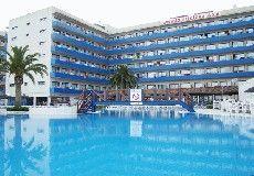 Hotel Tahiti Playa. Dit levendige en comfortabel ingerichte hotel heeft een ideale ligging, direct aan het mooie strand van Santa Susanna en vlakbij het centrum.