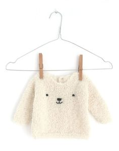 Teddy Bear Sweater knitted with Stockinette stitch- [ EASY Pattern & Tutorial ] Kids Knitting Patterns, Baby Sweater Knitting Pattern, Baby Sweater Patterns, Knit Baby Sweaters, Knitting For Kids, Baby Patterns, Baby Knits, Knitted Baby Outfits, How To Start Knitting
