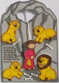 Raise and lower Daniel in and out of the lions den with this craft. Verse: So the king gave the order, and they brought Daniel and t. Bible Activities For Kids, Bible Stories For Kids, Bible Crafts For Kids, Preschool Bible, Bible Lessons For Kids, Preschool Crafts, Sunday School Crafts For Kids, Bible School Crafts, Sunday School Activities