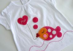 I love the stitching! Applique Embroidery Designs, Machine Embroidery Applique, Applique Patterns, Applique Dress, Sewing Crafts, Sewing Projects, Felt Fish, Sewing Appliques, Baby Sewing