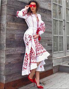 M size White fashion boho dress with ukrainian embroidery Long sleeve wedding dress Vyshyvanka Bohem Bohemian Gown, Bohemian Style Dresses, Boho Dress, Lace Dress, White Fashion, Look Fashion, Ethno Style, Maxi Dress Wedding, Wedding Dresses