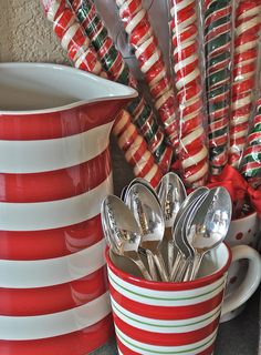 Kitchen Red And White Candy Canes New Ideas Christmas Kitchen, Christmas Goodies, Christmas Candy, Christmas Themes, White Christmas, Vintage Christmas, Christmas Holidays, Christmas Decorations, Christmas Images