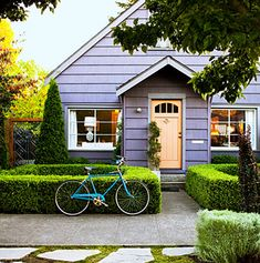 I could live in a little lavender house. Indeed.