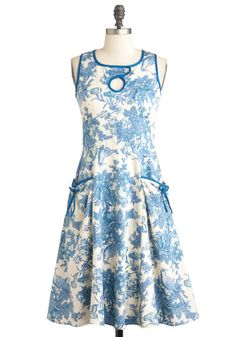 I was browsing through ModCloth's large collection of dresses, and found this summer dress. I love that it is very relaxed, but so cute and stylish at the same time!