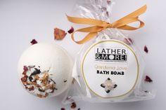 Gardenia Love Bath Bomb
