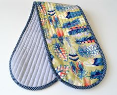 she can quilt: Adriannes Oven Mitt - a 2013 FAL tutorial