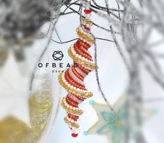 Christmas tree decoration tutorial - ReddyCandyIcicle, PDF by Ofbeaddesigns on Etsy https://www.etsy.com/listing/575460719/christmas-tree-decoration-tutorial