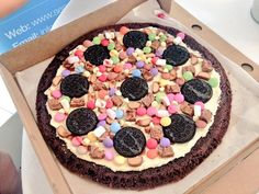Oreo Medley Sweet Pizza
