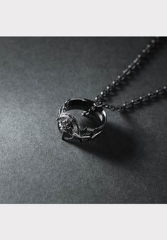 FINAL FANTASY® XV SILVER PENDANT RING OF THE LUCII