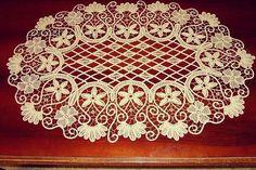 """332 Likes, 19 Comments - DANTEL ANGLEZ (@sefaelsu_dantel_anglez) on Instagram: """"#elişi #elemeği #göznuru #dantelanglez #dantel #romanianpointlace #handmade #sehpaörtüsü #alıntı…"""""""