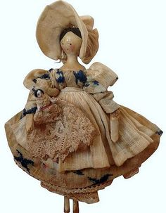1830s Grodnertal Doll with Baby. 5 inches tall.