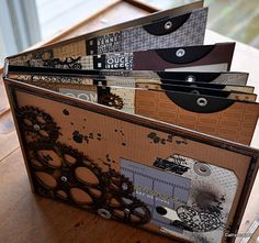gears mini album from cathyscrap85.over-blog.com (in french)