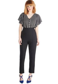 Keynote Address Pants in Black, #ModCloth love the high waist and short length