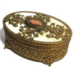 Hacked By Jewelry Box Wholesale Jewelry Boxes Antique Jewelry, Vintage Jewelry, Victorian Jewelry, Antique Art, Baroque, Curated Gift Boxes, Music Jewelry, Antique Boxes, Art Nouveau Jewelry