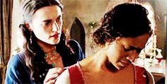 Morgana doing her best to comfort Gwen :3 I think it's supposed to be vise-versa but Morgana your doing fine ;)