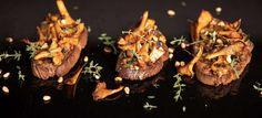 Eierschwammerl-Crostini Zucchini, Crostini, Brunch, Steak, Food And Drink, Beef, Finger Food, Wild Strawberries