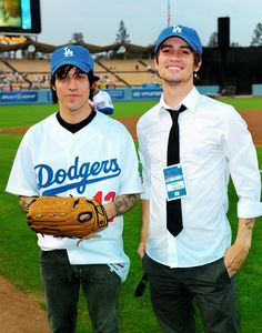 I hate the dodgers but if brendon urie and pete wentz invited me to a dodgers game I'd go.... and just completely ignore the game and stare at them the whole time.