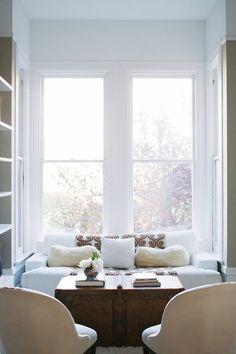 peaceful little nook / Interior Designer Soledad Alzaga's home via Rue