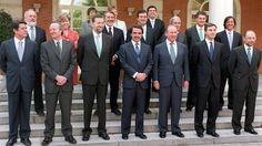 """El ex presidente del Gobierno José María Aznar está indignado con lafalta de apoyo de Mariano Rajoy a Federico Trillo en el escándalo desatado en las últimas semanas a propósito del Yak-42. """"Cómo se puede lavar las manos en este asunto, ¿acaso no estaba Rajoy en el Gobierno cuando sucedió el accidente?"""", es una de … Continuar leyendo """"Indignación de Aznar con Rajoy por """"el feo"""" a su gobierno al dejar caer a Trillo"""""""