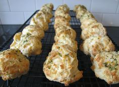 Mennonite Girls Can Cook: Garlic Cheese Biscuits