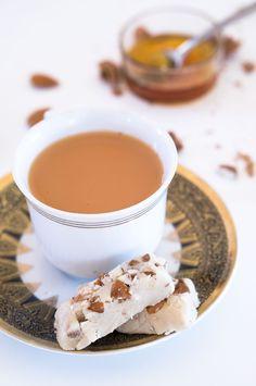 Halva - dolce a base di tahini - Marzia Fine Dining % Tahini, Fine Dining, Fun Desserts, Pudding, Base, Snacks, Tableware, Recipes, Food