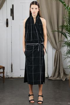 Christophe Lemaire Spring 2014 Ready-to-Wear Collection Slideshow on Style.com