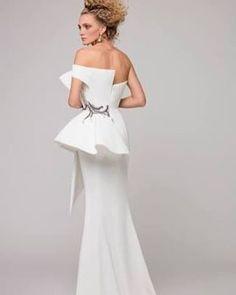Azzi & Osta #stylewedding #wedding #weddingdress #weddinggown #edge http://gelinshop.com/ipost/1523457198766894426/?code=BUkaEArAy1a