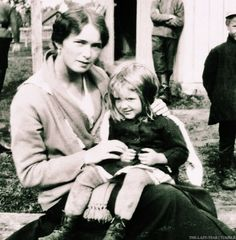 Favorite Photos of Olga: {08/25}Olga and a little girl.