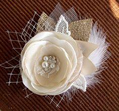 Rústico de pelo flor Clip marfil Champagne por FloroMondo en Etsy