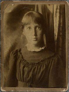 Virginia Woolf aged 13, in 1895.