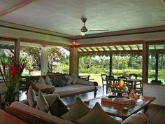 Luxury Villa Bali Bali Luxury Villas, Balinese Decor, Chinese Furniture, Bali Fashion, Asian Decor, Luxury Accommodation, Luxury Holidays, Living Area, Living Rooms
