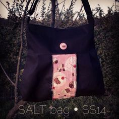 .. È finalmente arriva la Salt! Finally the Salt bag! With zipper, inner pocket e adjustable strap #handmadebag #handmadebags #handmade #moda #bags #fattoamano #cupcakes #cupcake #sweet #cake #cherries #buttons #fabric #bmilk2014 #sun #sewing #spring #summer #madeinitaly #bestoftheday #igers #italy #instastyle #igersitalia #igdaily #likeforlike #kaufman #girl  #bmilkers