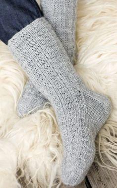 Lovely socks by Novita. Crochet Socks, Knitting Socks, Hand Knitting, Knitting Patterns, Knit Crochet, Crochet Patterns, Knit Socks, Sexy Socks, Patterned Socks