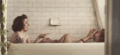 Resultat d'imatges de girls serie bath