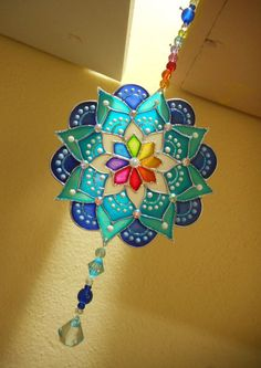 1 million+ Stunning Free Images to Use Anywhere Old Cd Crafts, Diy Crafts Hacks, Arts And Crafts, Glass Painting Designs, Funky Painted Furniture, Mandala Artwork, Diy Wind Chimes, Crystal Decor, Hand Painted Ornaments
