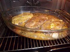 moutarde, poivre, thym, huile, côtes de porc, oignon, sel