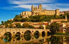 Beautiful Roads, Beautiful Places, Beziers France, Places To Travel, Places To Visit, Travel Destinations, St Nazaire, Languedoc Roussillon, French History