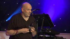 Ukulele Festival 2013 - Ian Emmerson plays the World's Smallest Uke