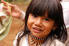 Photo by lincoln koga // Guarani Indian girl // Large French Press, Amazon Tribe, Xingu, Native American Beauty, Cold Brew Coffee Maker, Real Coffee, French Press Coffee Maker, How To Make Tea, Classic Italian