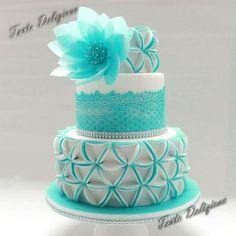 http://tortadeliziosa.nl/ - Cake Wrecks - Home - Sunday Sweets: Modern, Funky,Cool!