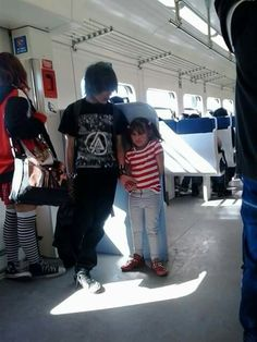 I love my little sister, don't touch her, don't look at her, just go away.. or I will kill you *u* haha xP Mechlin Rómeó #emo #emoboy #boy #littlegirl #emosiblings #siblings #sister #lovely #emos #girl