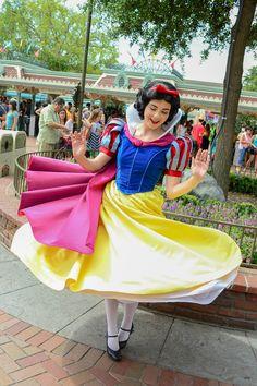 Snow White - so cute! ^.^