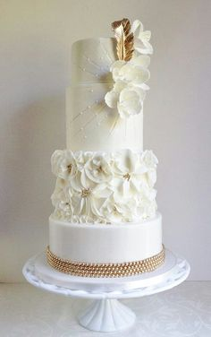 vintage wedding cake gold and white