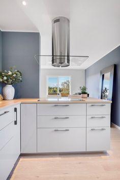 Showroom, Kitchen Cabinets, Interior Design, Home Decor, Nest Design, Decoration Home, Home Interior Design, Room Decor, Cabinets
