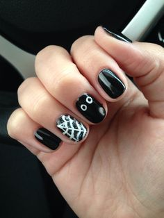 Christy C's nails @sasssycc | Spooky nails for Halloween! Black Poole + white. cnd shellac gel nail art #halloweennails halloween nails. **Leave the credits and details as these are someone's nails!**