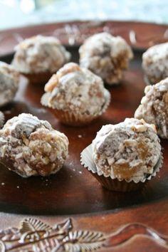Adventi gyümölcsös golyók - Kifőztük, online gasztromagazin Paleo Recipes, Muffin, Birthday Cake, Gluten Free, Cookies, Breakfast, Food, Advent, Candy